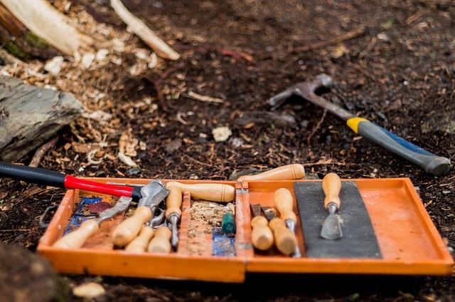 chisels, tools