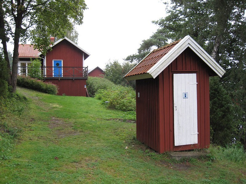 composting toilet, house