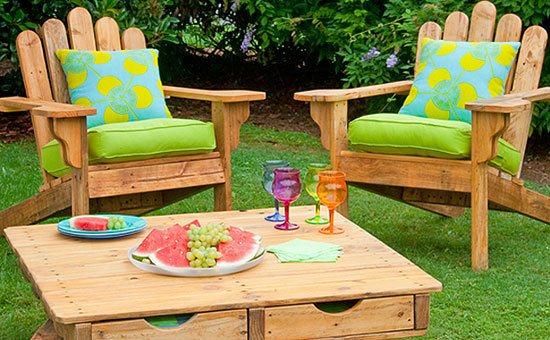 chairs, pallets, garden