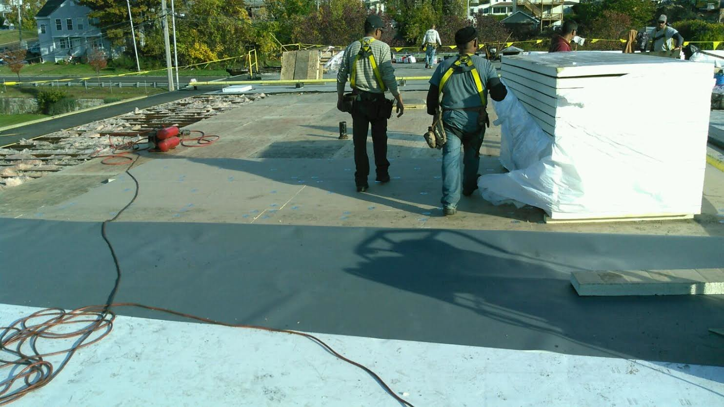 insulation, flat roof, workers