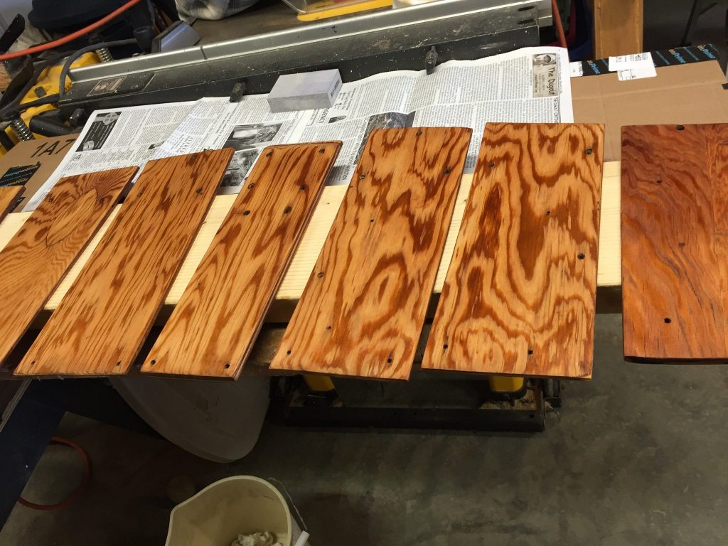 varnished plywood pieces, smooth finish